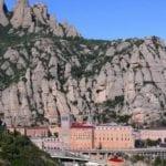Montserrat Kütüphanesinin bulunduğu manastır