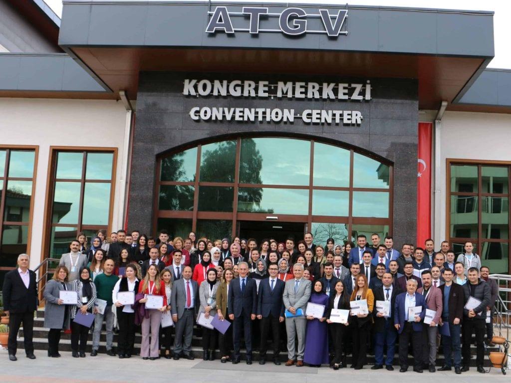 ATGV kongre merkezinde yapılan sertifika töreni sonrası çektirdiğimiz hatıra fotoğrafı.