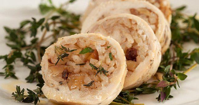 Pirinçli tavuk sarma tarifi ile eşsiz bir lezzet ile karşılaşacaksınız.